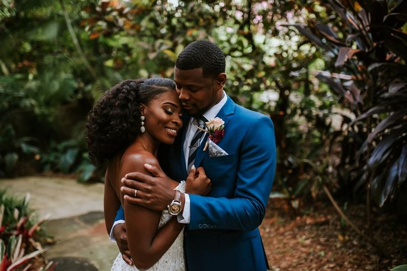dfe0bb119f7a9cac 10 23 16 Crystal and Kyle Sunken Gardens Wedding 471 blog
