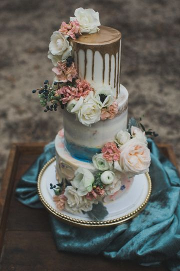 WEdding cake-Butterfly Cake Factory Elle Boone Photography
