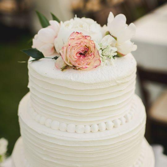 37bed1fddebb0d19 1536764642 7bc47008a68ae5f0 1536764619714 29 KW Wedding Cake