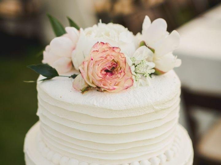 Tmx 1536764644 37bed1fddebb0d19 1536764642 7bc47008a68ae5f0 1536764619714 29 KW Wedding Cake Branford, CT wedding catering