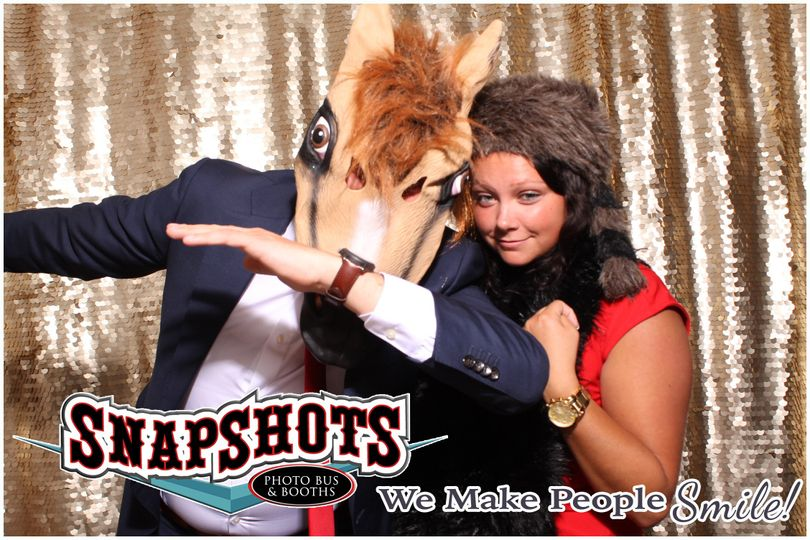 Dabbing with a horse mask