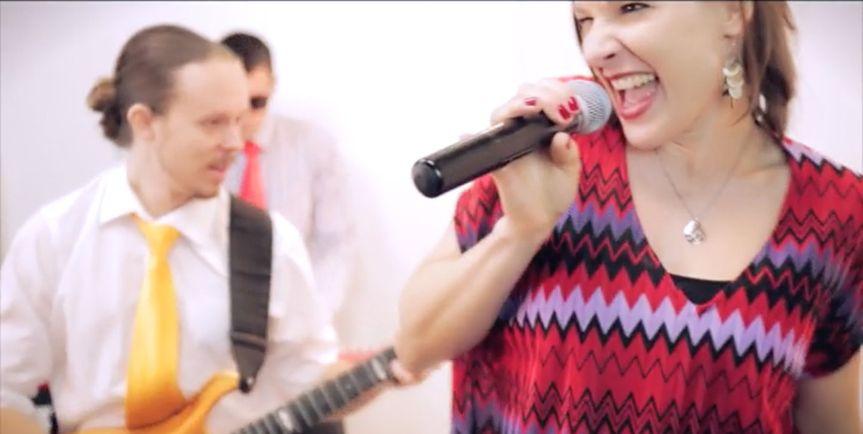 me singing 2