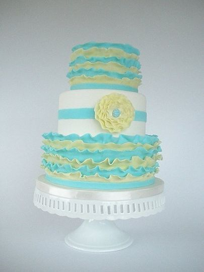 800x800 1329841079872 frillyweddingcake