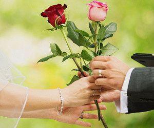 the rose beach wedding ceremony