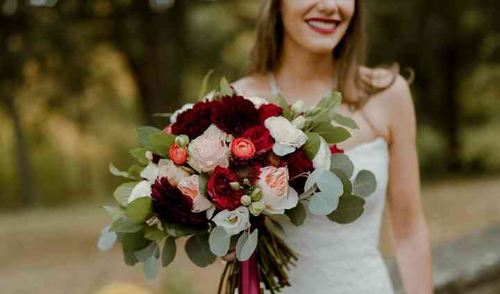 Farmhouse Floral Designs & Events
