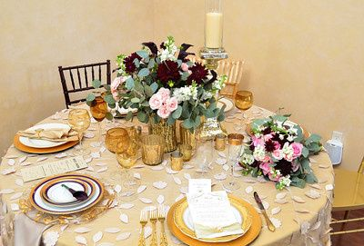 Burgandy and Gold Tablescape & Bouquet