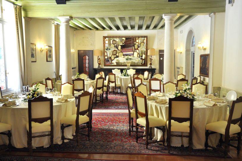 caminetto villa tavoli