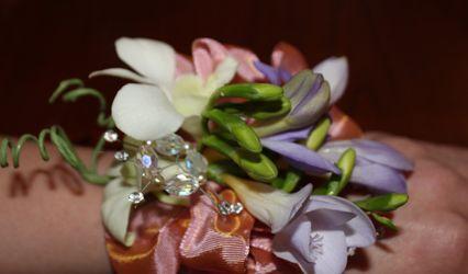 Designing Flowers LLC