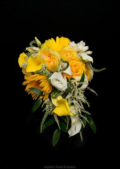 Anjulans' Florist - Floral Design, Event Lighting & Decor