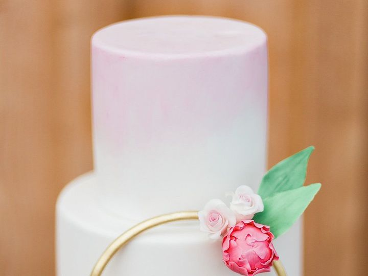 Tmx 1532709153 Ea2fc85c9c35dddf 1532709152 F0e2192b807e7124 1532709146556 10 Krystle2 Sherwood, OR wedding cake