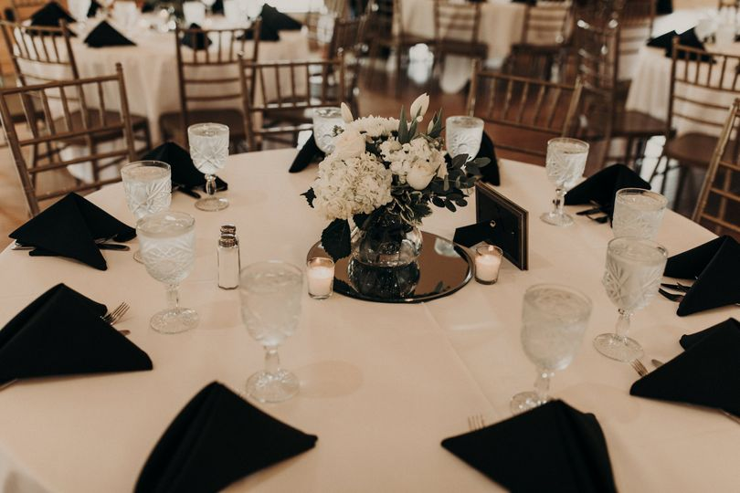 Table arrangement Madeline Mack Photography