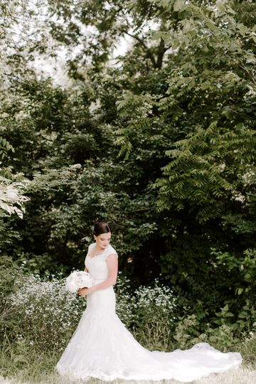 Bride Laura Wills Photography