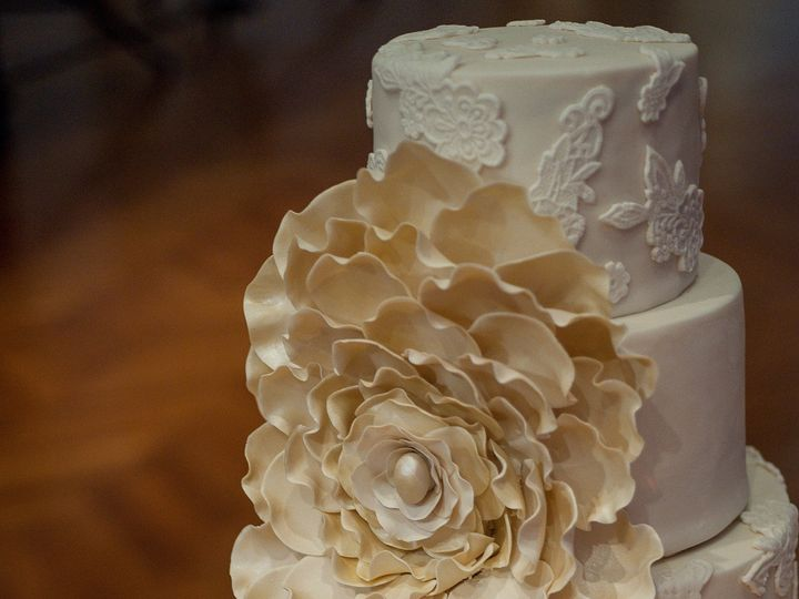 Tmx 1433174254330 Cake Side Angle Ann Arbor, MI wedding cake