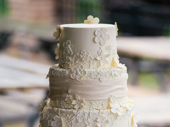 Tmx 1433174370308 Zackrisonwedding100 Ann Arbor, MI wedding cake