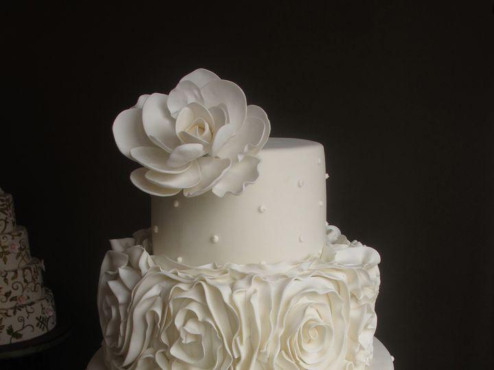 Tmx 1433174702773 White Ruffles Tull 5.11.13 Ann Arbor, MI wedding cake