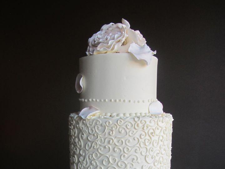 Tmx 1433176392798 Sugar Flowers Bivins 10.12.13 Ann Arbor, MI wedding cake