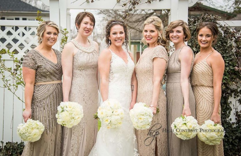 Photo with the bridesmaids