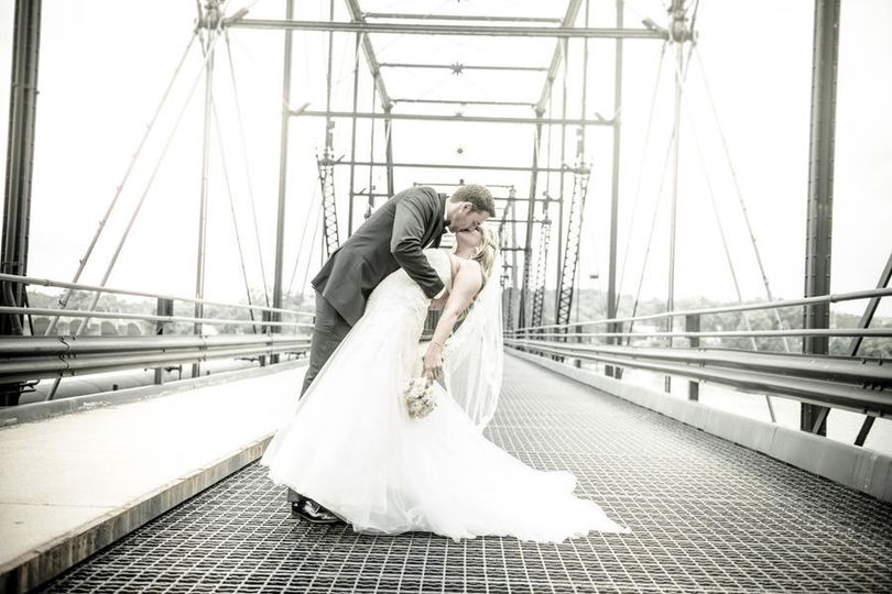 Kiss on the bridge