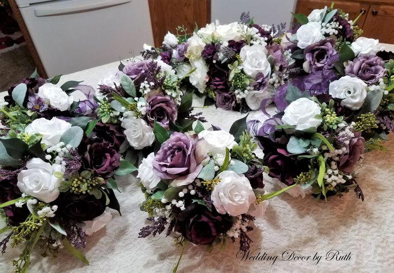 Wedding Decor By Ruth Flowers Allison Ia Weddingwire