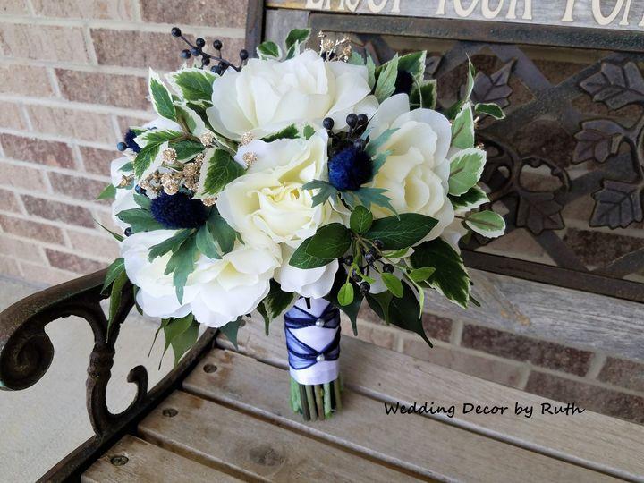 Tmx 1531757711 913a67325f082e48 1531757708 89d0ec2f37c65efe 1531757697160 4 Kailey Christensen Allison, IA wedding florist