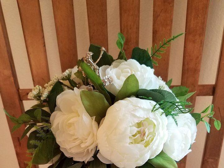 Tmx 1531757851 D9dfdb38f9b2cd37 1531757845 0155236a038d5ac0 1531757828637 10 Kimberly Vilhauer Allison, IA wedding florist