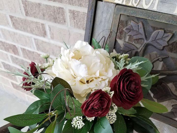 Tmx 1531758131 4fa62d0a1aa22b71 1531758126 Df0c1bd0132c417f 1531758103627 4 Amanda Gladhill1 Allison, IA wedding florist