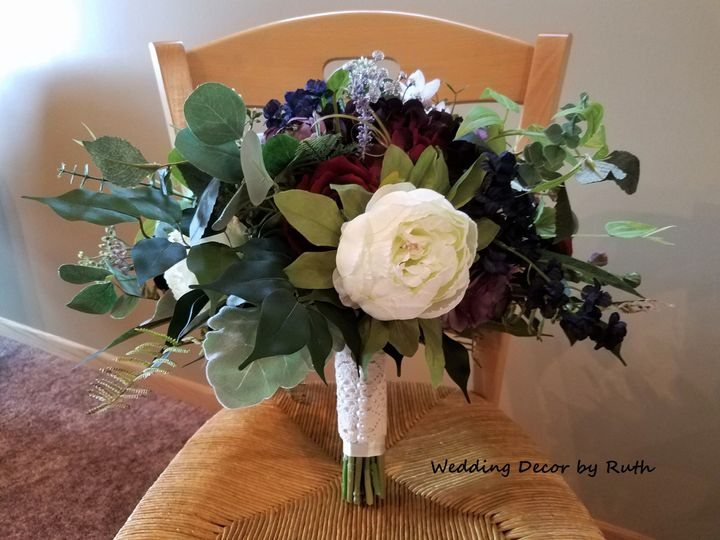 Tmx 1531758296 F90ee5c8b92107ff 1531758291 2978d07ceb571cc0 1531758278579 15 Rachel Betz1 Allison, IA wedding florist