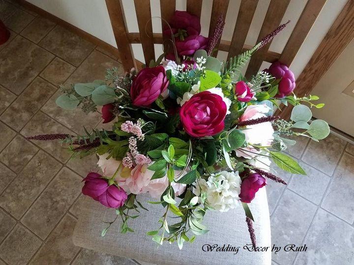 Tmx 1531758665 027d51bf9a49e62d 1531758614 6c33f0f439970a03 1531758616519 3 Katie Groen Allison, IA wedding florist