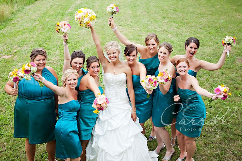 bridesmaids in the park