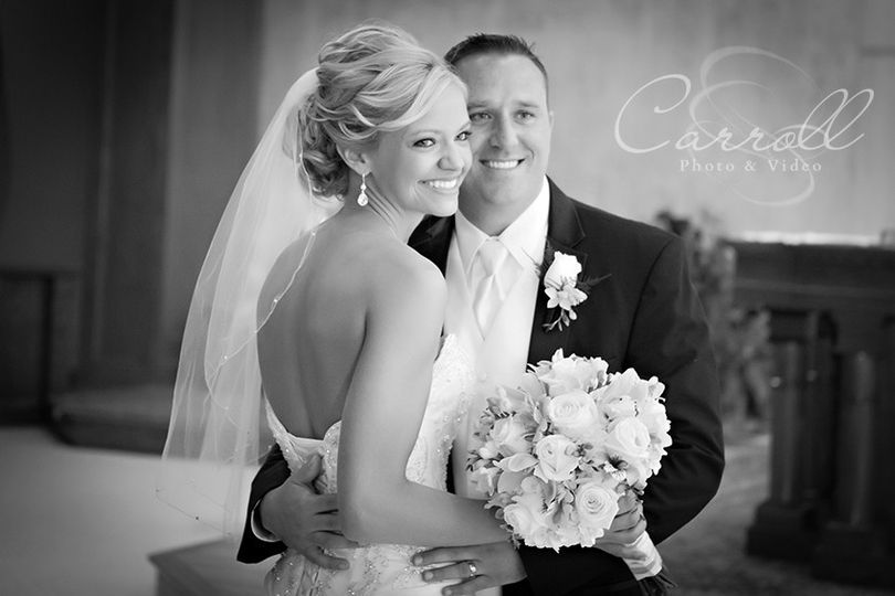 800x800 1418091497708 elegant black and white wedding picture