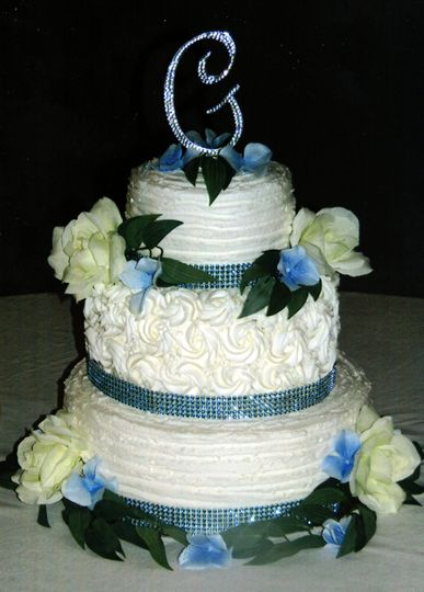 Cakes By George Wedding Cake Tama Ia Weddingwire
