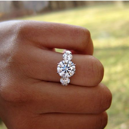 round diamond engagement rings chicago