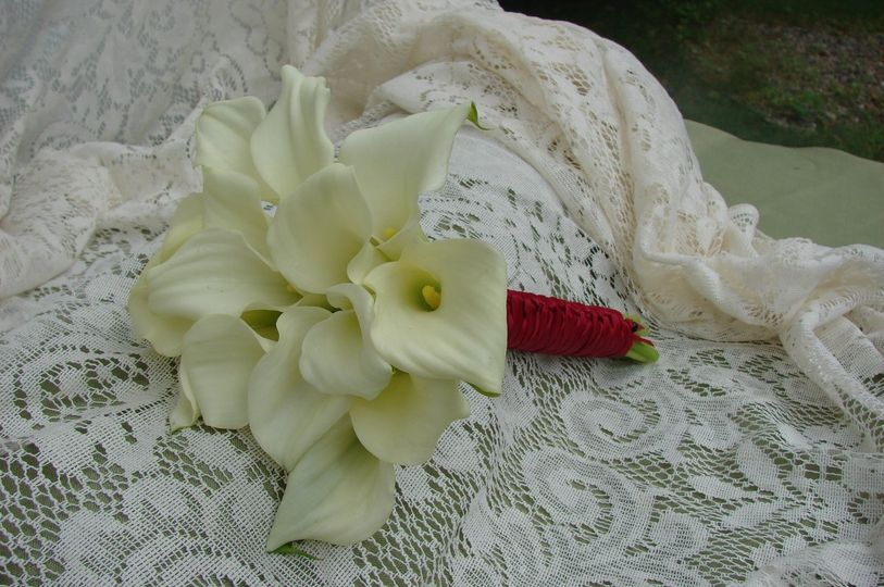 Bouquet of lg and mini calla lilies