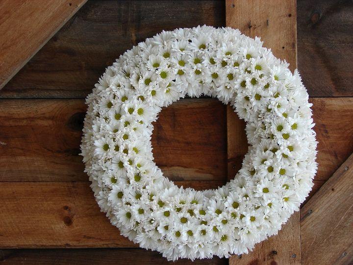 Tmx 1360273889494 24inchwreathofdaisies North Falmouth wedding florist