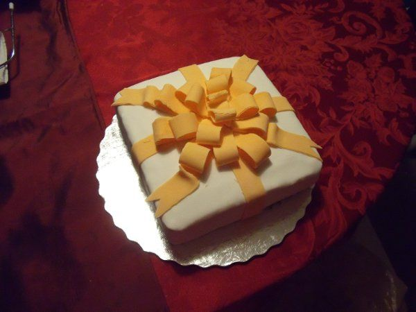 Gift Box Cake. Covered with fondant