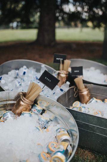 Beverage buckets