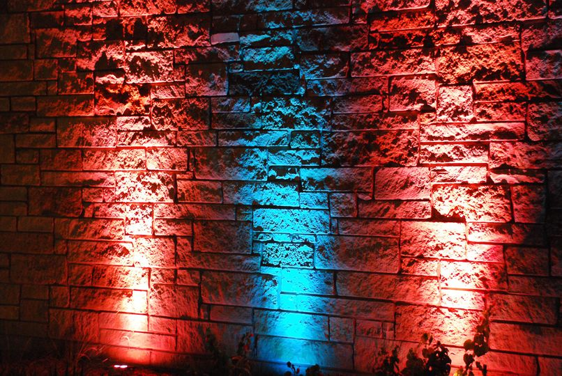 Red and blue uplighting