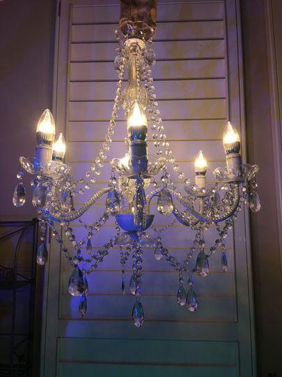 Medium wireless chandelier