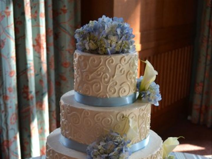 Tmx 1337713191295 DSC03302 Chapel Hill wedding cake