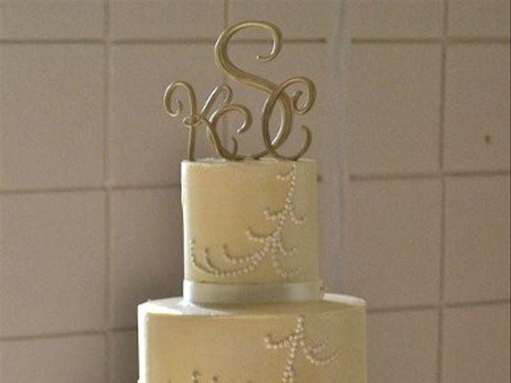 Tmx 1337713579866 DSC0761 Chapel Hill wedding cake