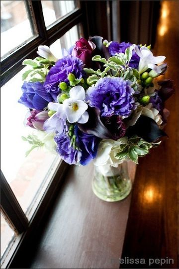 Lisianthus and freesia