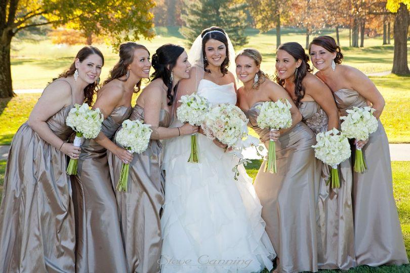 bridal party october weddin