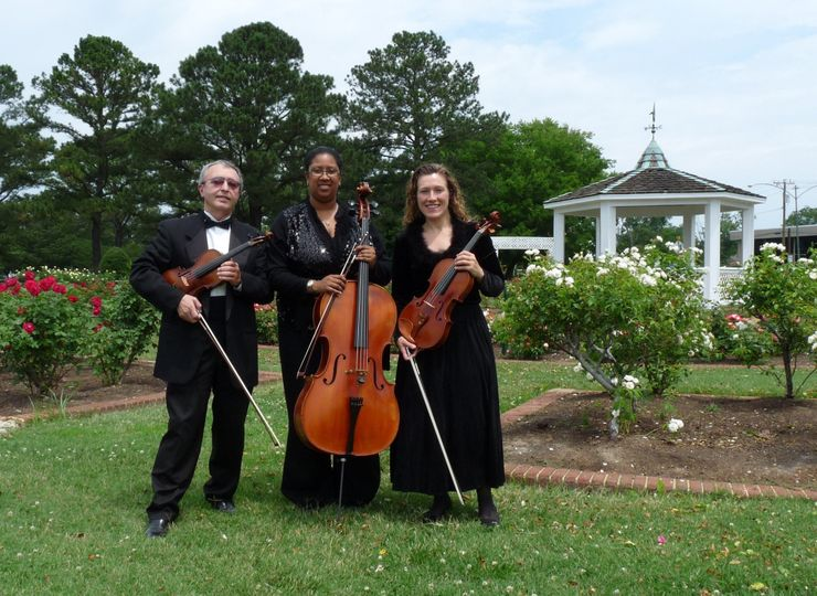 String trio outside