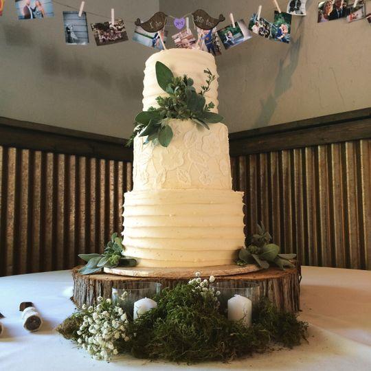 Sugar Cubed Cake Creations - Wedding Cake - Gresham, OR - WeddingWire