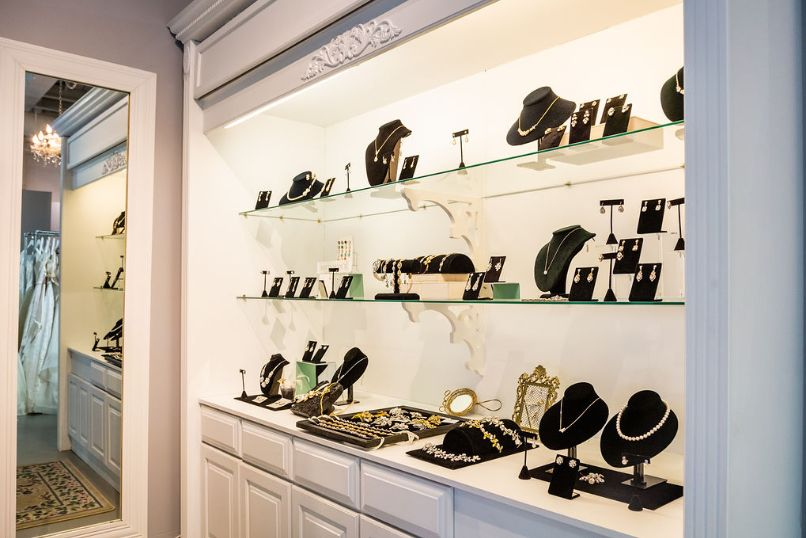 Accessories display