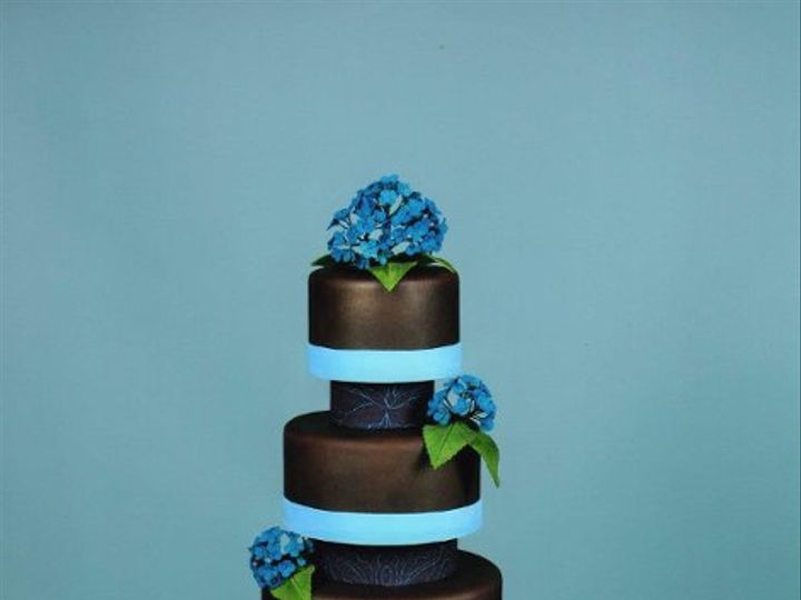 Tmx 1231267051046 Chocolatehydrangeacake014 Catonsville wedding cake