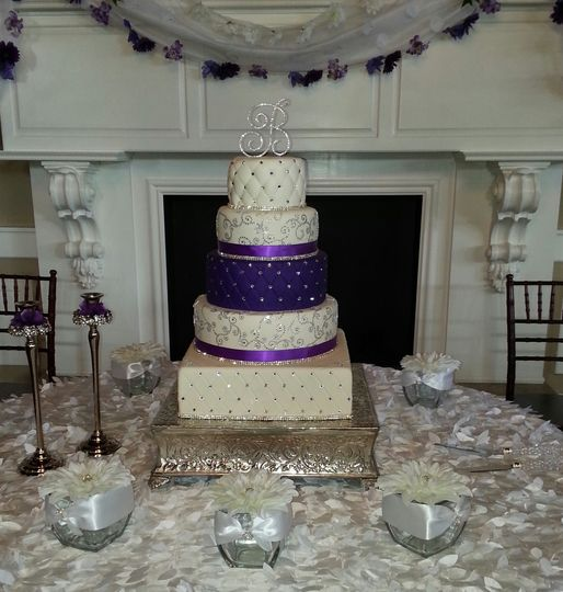 heavenly sweets by denise wedding cake raleigh nc weddingwire. Black Bedroom Furniture Sets. Home Design Ideas