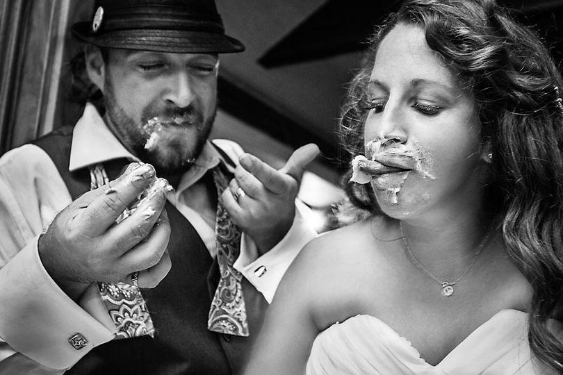 Couple's eating cake