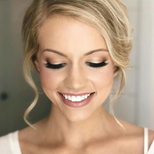 Summer 2018, Cape Cod. She wanted a romantic Glam look, outer corner smokey eye with a foil shadow...