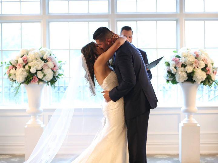 Tmx Amanda Kissing Vincent 51 646472 Woodcliff Lake wedding florist